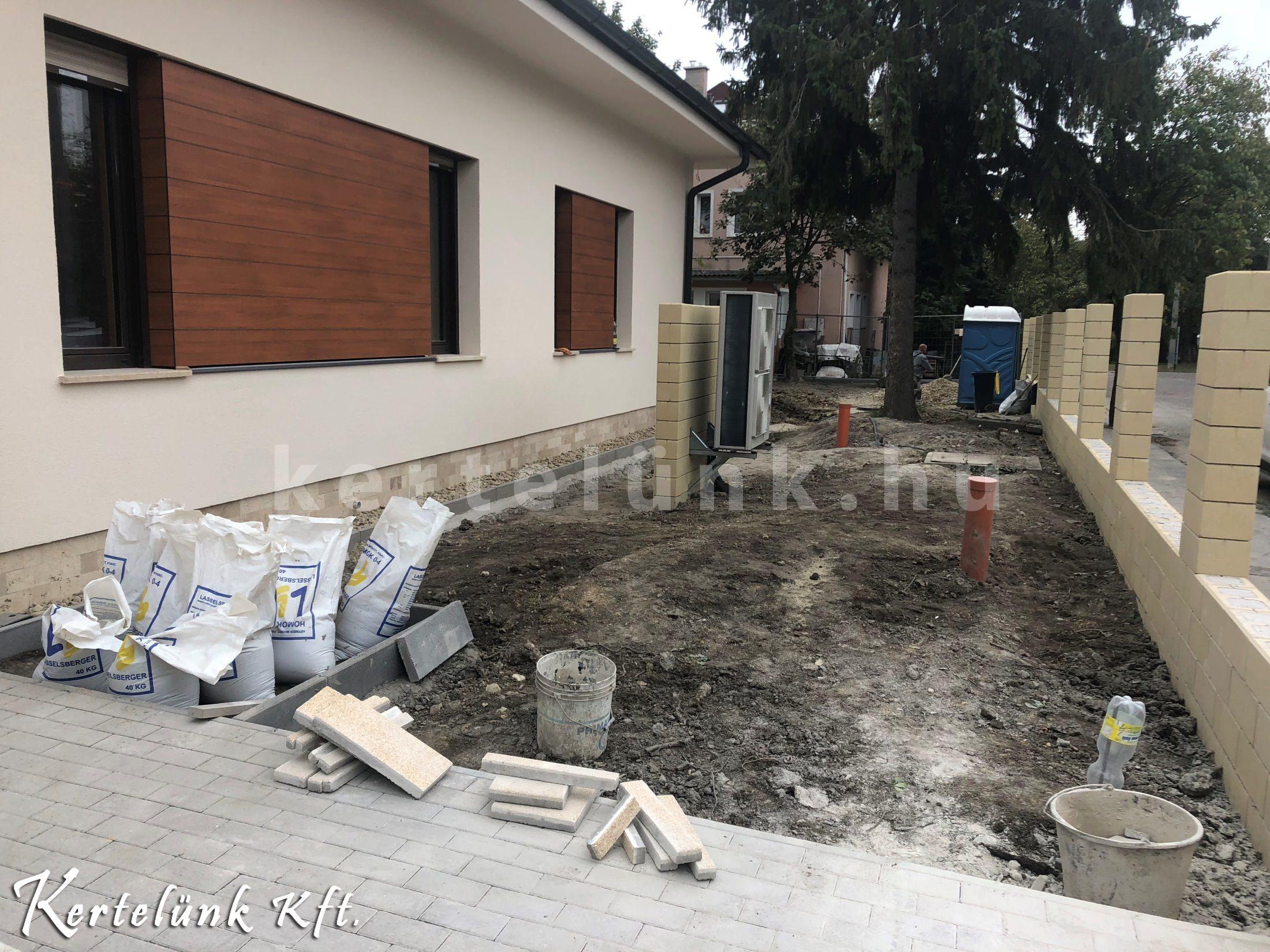 A nagy súlymozgatással járó feladatokat el kell végezni kertépítés előtt.