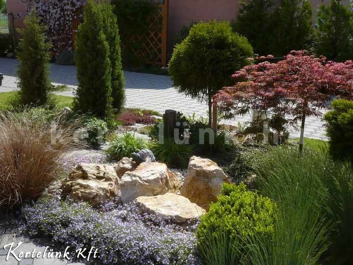 Ugyanúgy, ahogy a mediterrán kerteknél, itt is előszeretettel használunk levendulát.