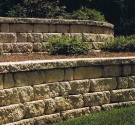 kő támfal beültetet növénnyel