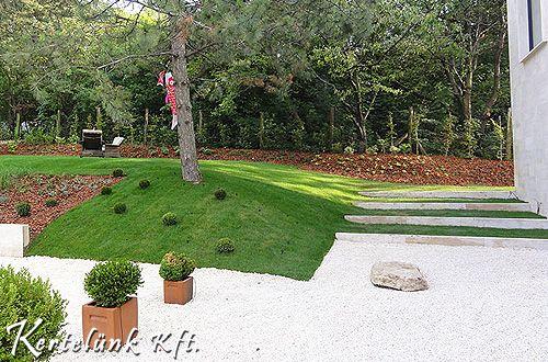 minimál kert, fa beültetéssel