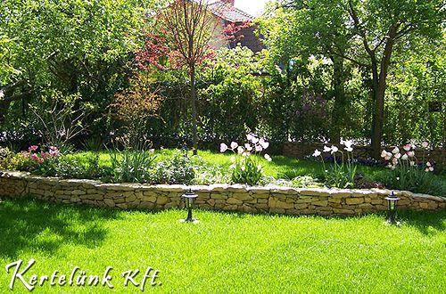 Az üde, zöld pázsit szintén a kert egyik fontos eleme